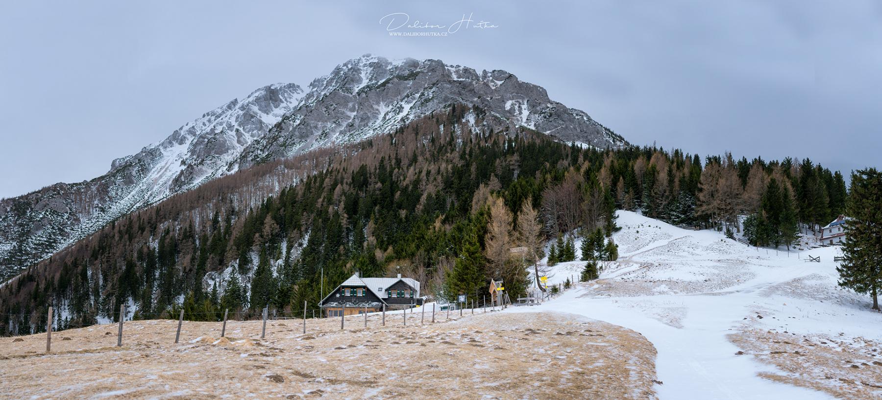 Edelweißhütte pod horou Schneeberg rakouské Alpy